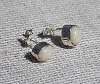 Серебряные серьги-пуссеты с эфиопским опалом