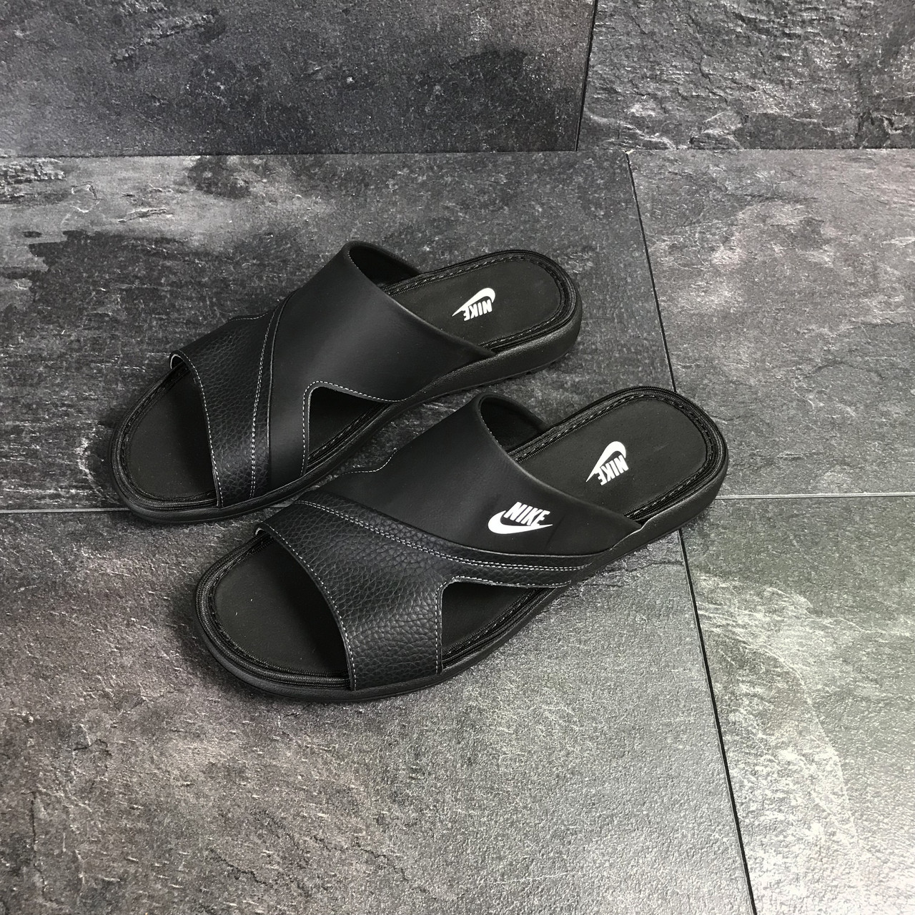 abdb28ca Мужские кожаные шлепанцы черные Nike - купить по лучшей цене в ...