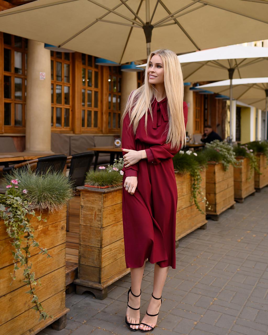 Стильное классическое платье, миди, за колено, рукав креп-полоска на манжете, (40-46рр)