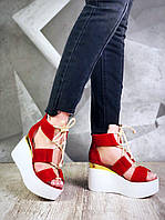 Женские модные стильные босоножки на танкетке , натуральная замша ,красные
