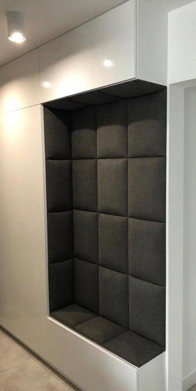 Шкаф прихожая фасады без ручек. Прошито тканью задняя стенка и сидушка