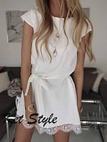 Женское легкое платье с кружевной окантовкой по низу