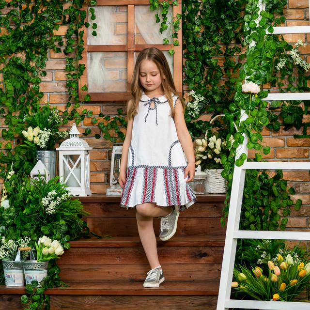 Белый сарафан для девочки с вышивкой Школьница