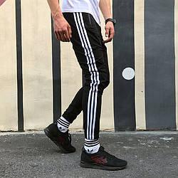 Спортивні штани Adidas Strips чорні
