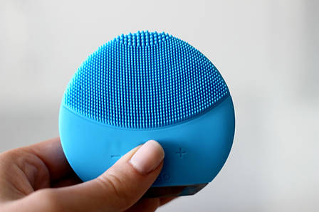 Электрическая силиконовая щетка-массажер для чистки лица Foreo Luna mini 2, фото 2