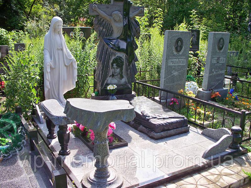 Памятник гранитный Г-42