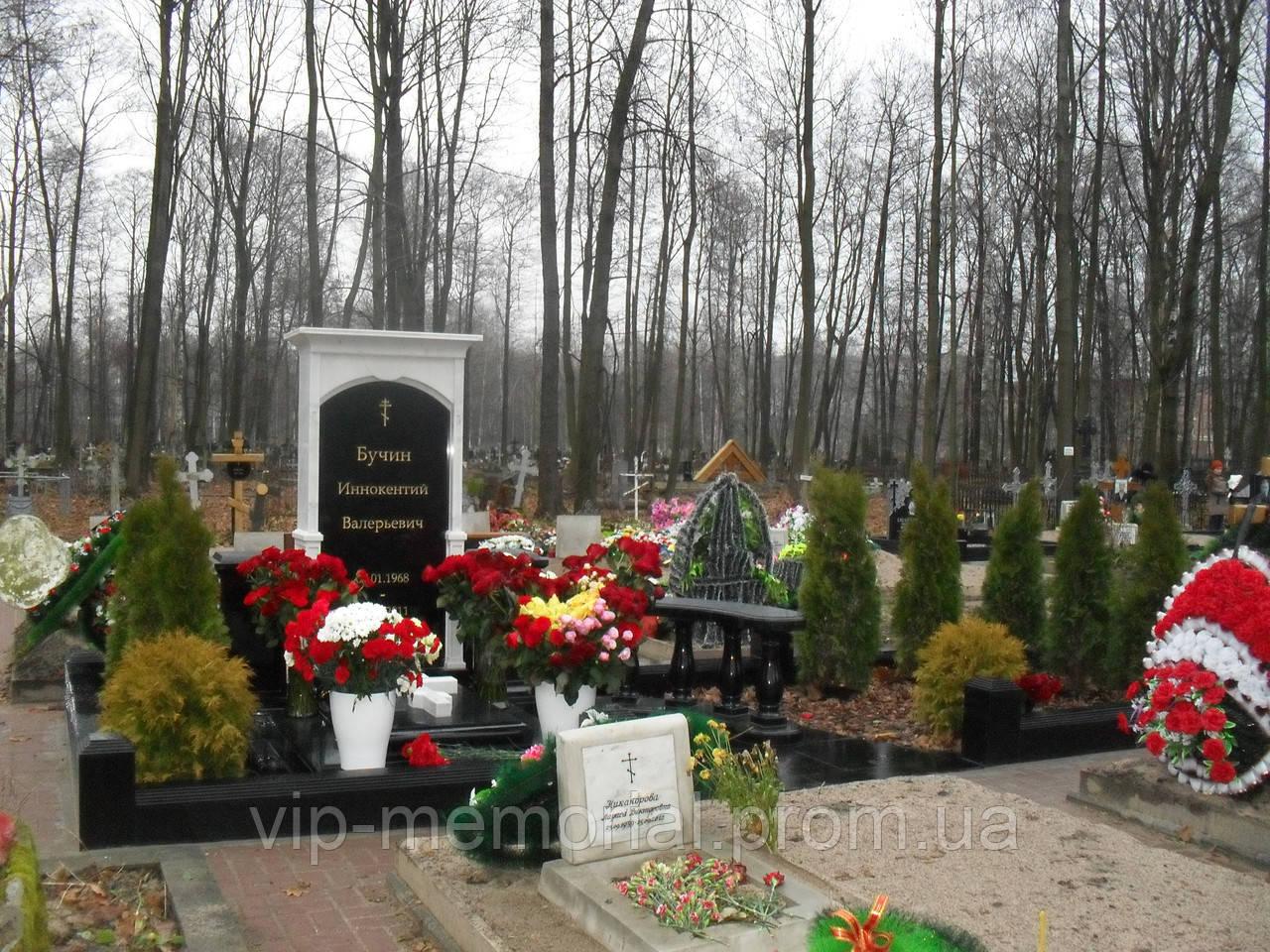 Памятник гранитный Г-70