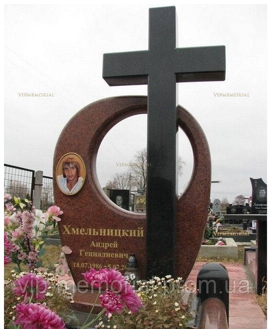 Памятник гранитный Г-72
