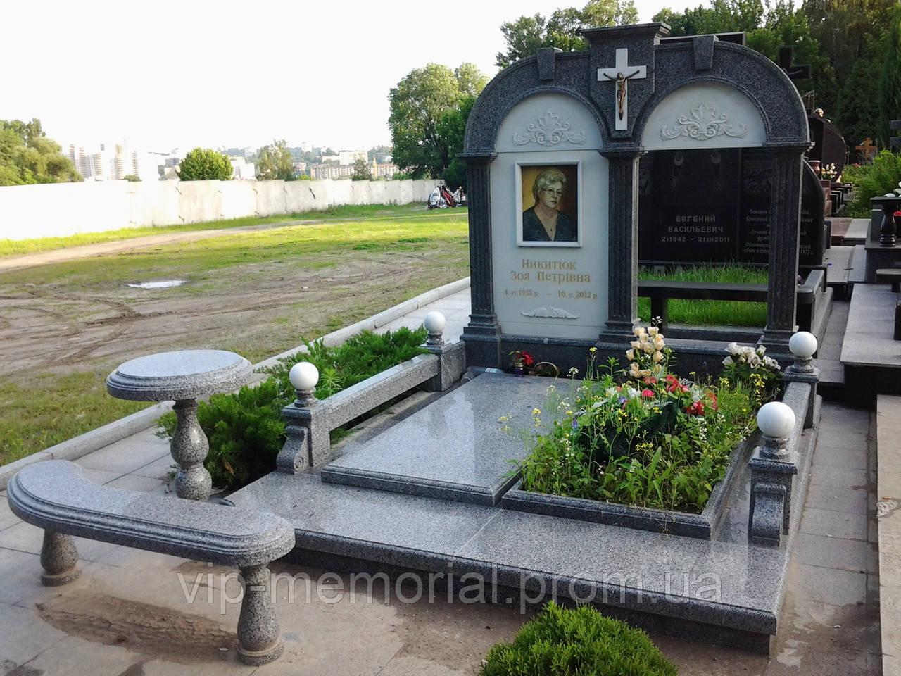 Памятник гранитный Г-87