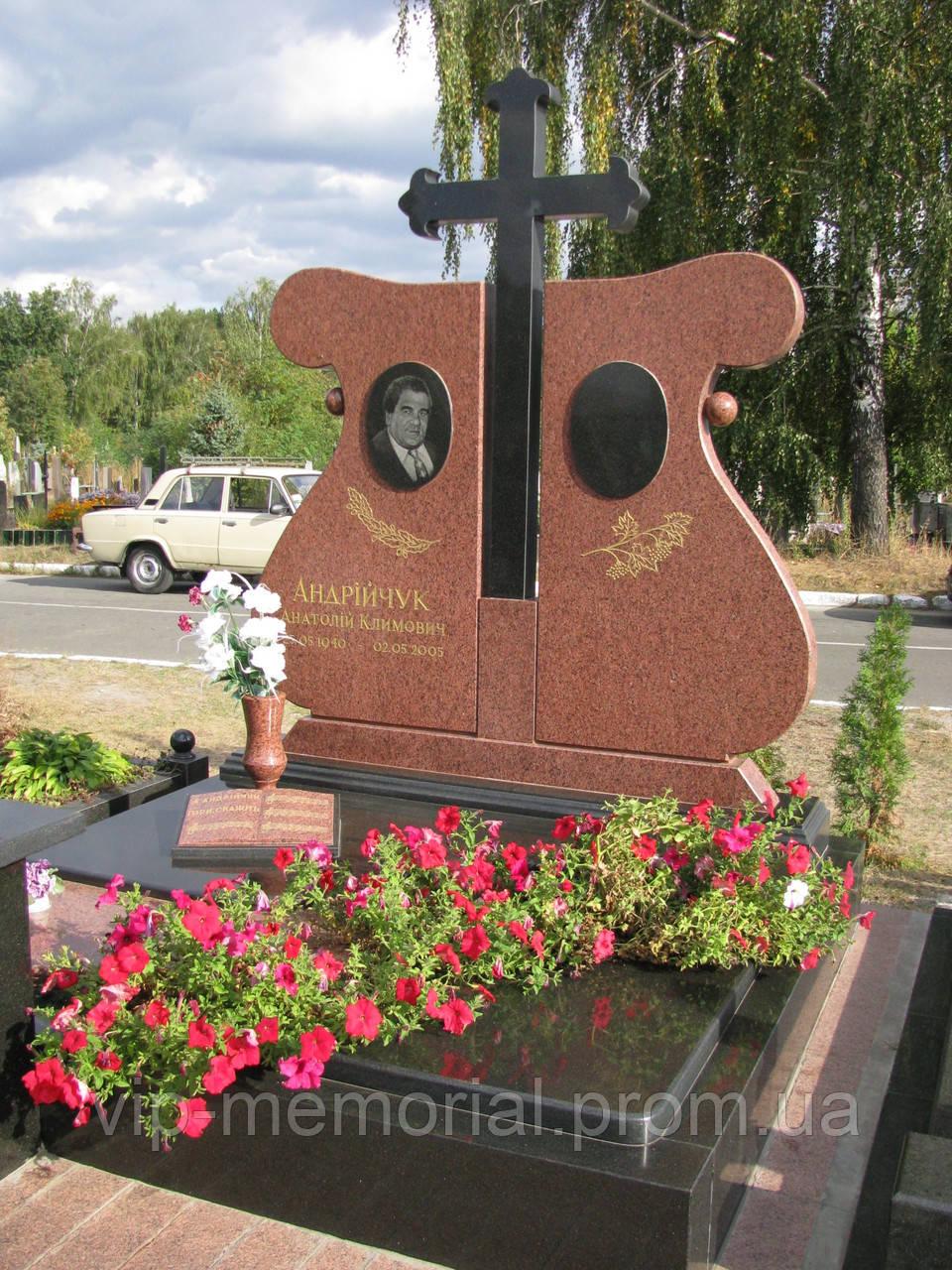 Памятник гранитный Г-112