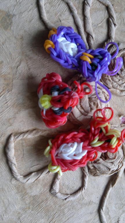Изделия из резинок Rainbow Loom  8