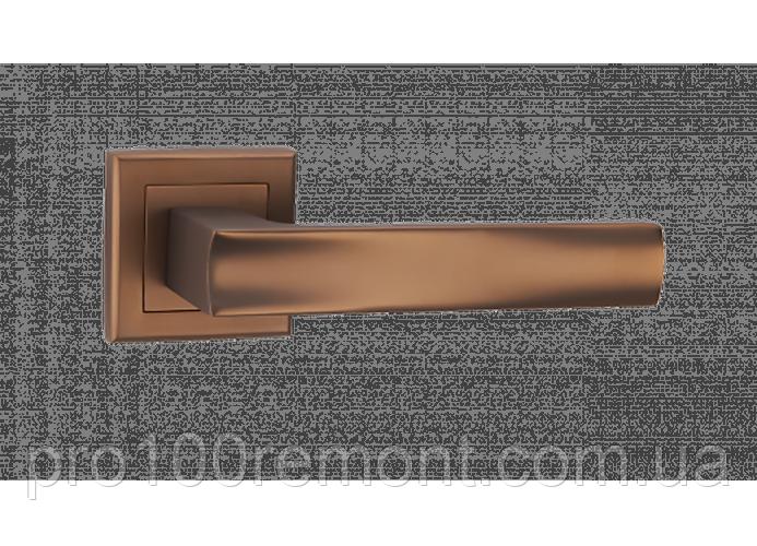 Ручка дверная на розетке МВМ BERLI A-2010