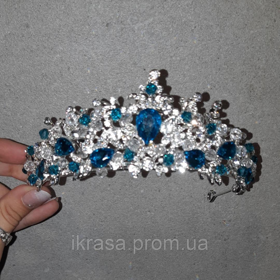 Обруч-діадема з блакитними кристалами, честкими намистинами та основою кольору срібло