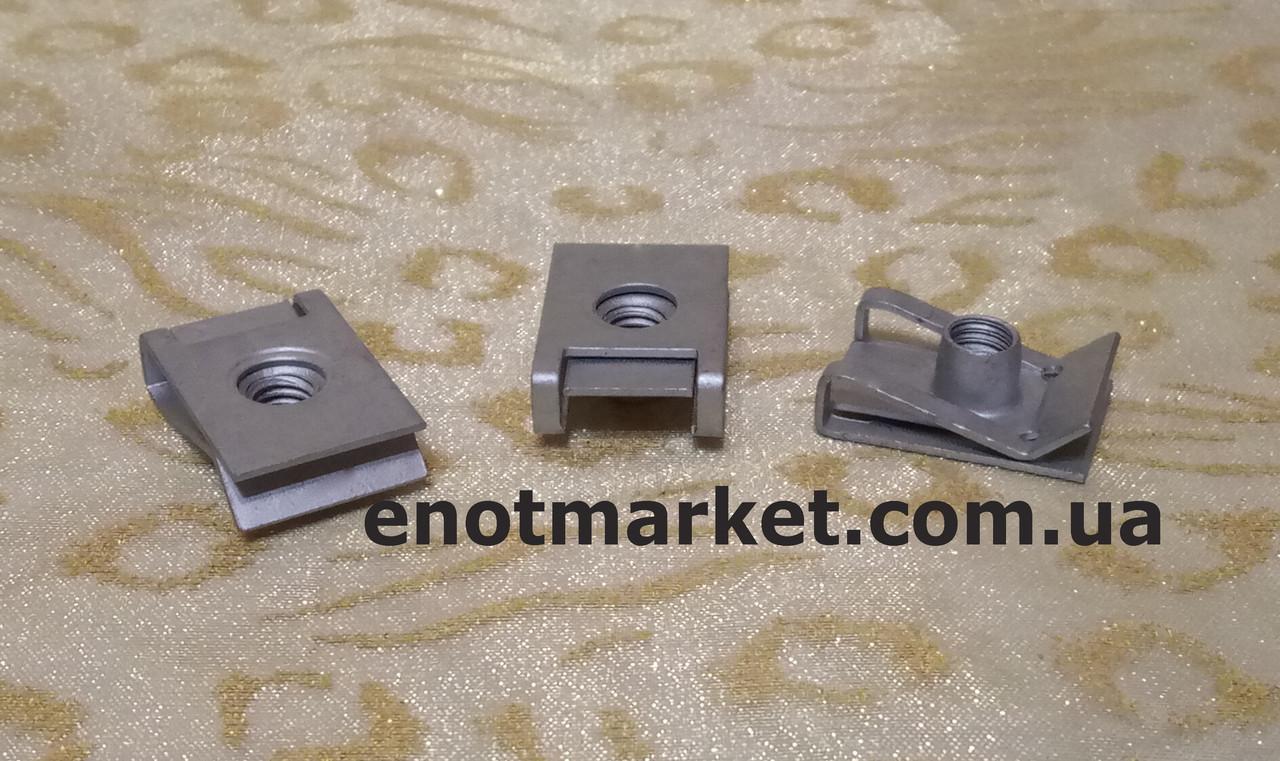 Монтажная металлическая пластина универсальная много моделей Skoda. ОЕМ: 694383, 7703046034, 949921