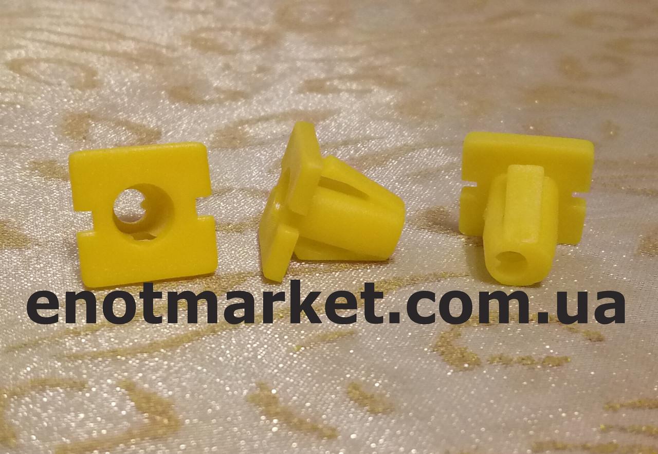 Крепление бокового молдинга Hyundai много моделей. ОЕМ: 8775634500, 87756-34500, фото 1