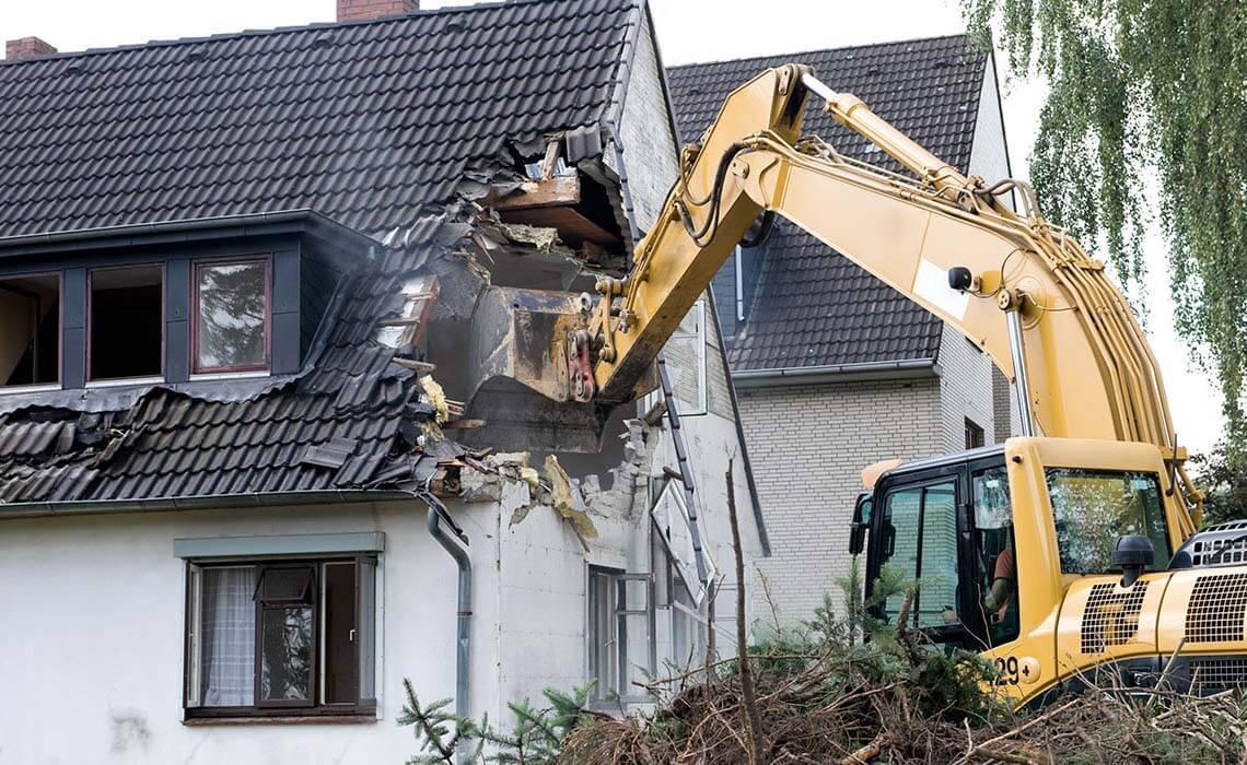 Снос и демонтаж частных домов