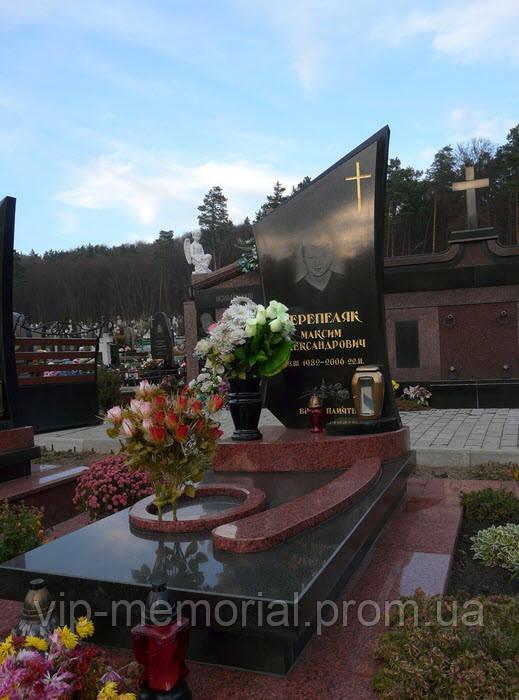 Памятник гранитный Г-297