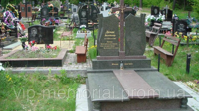 Памятник гранитный Г-303