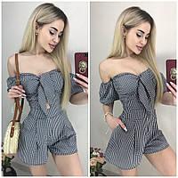 Комбинезон с короткими шортами