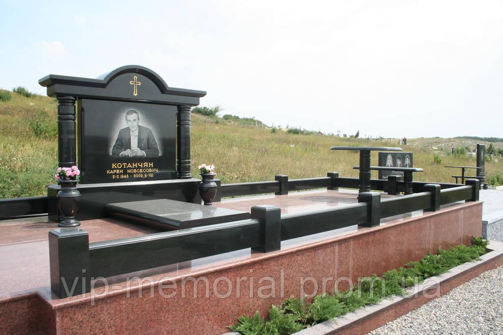 Памятник гранитный Г-365