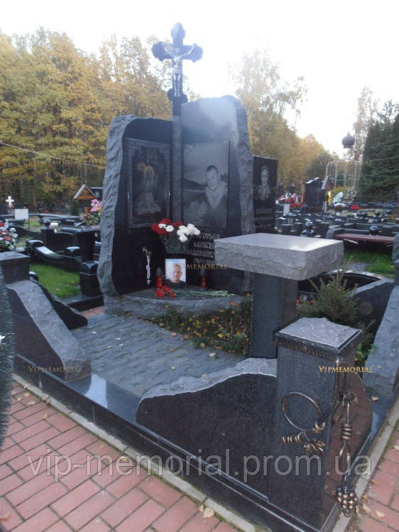 Памятник гранитный Г-466