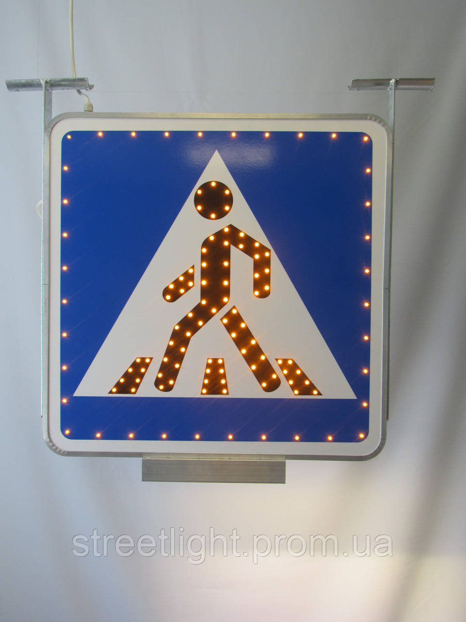 Світлодіодний дорожний знак «Пішохідний перехід» двосторонній зі світильником