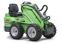 Мини погрузчики  (мини тракторы) Avant 300 серии:  модели 313S, 320S и 320S+