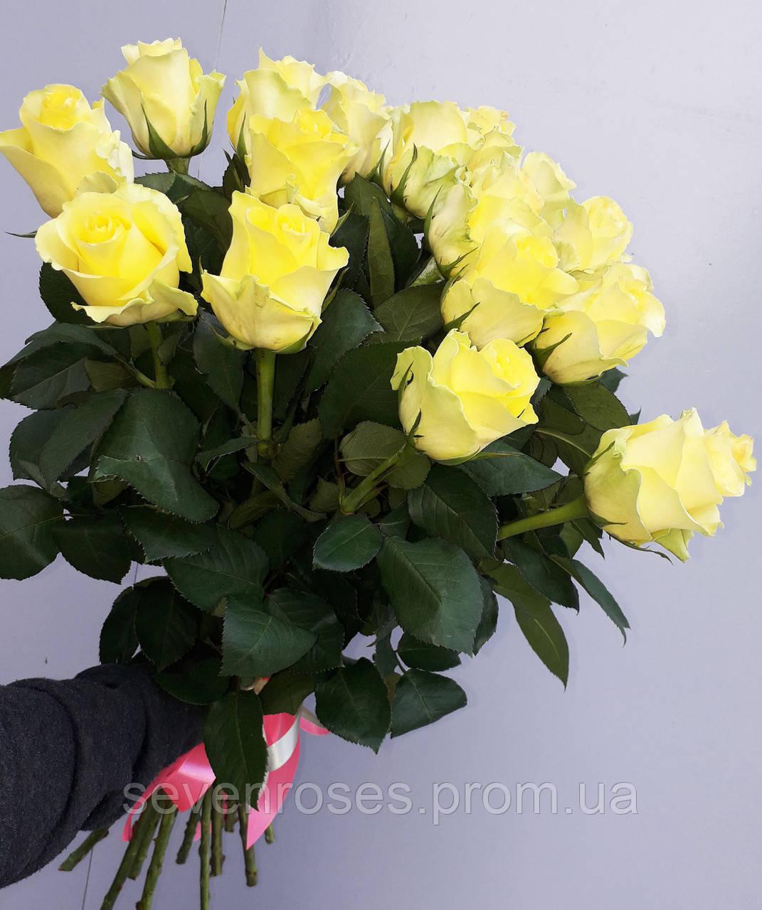 """Букет 19 роз """"Minion Rose"""""""