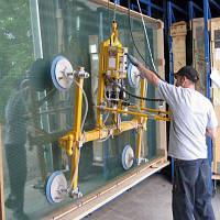 Изготовление и монтаж цельностеклянных фасадных конструкций