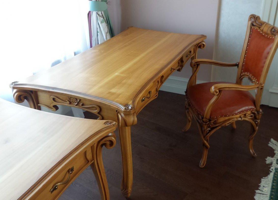 Изысканный стол для рукоделия от Shpuga