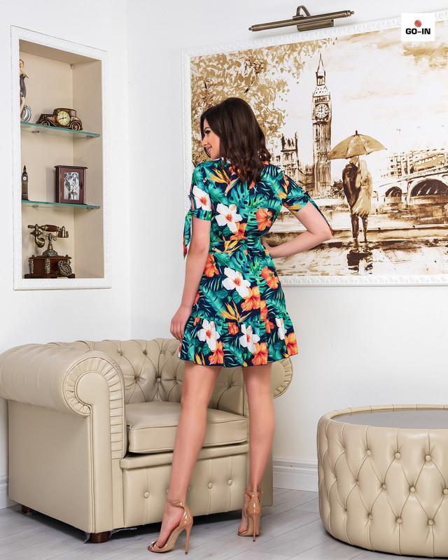 Платье женское летнее короткое свободного кроя с цветами