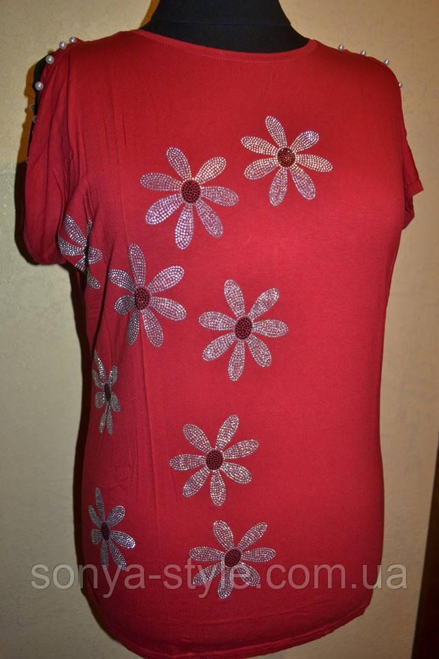 Женская футболка  больших размеров с ромашками