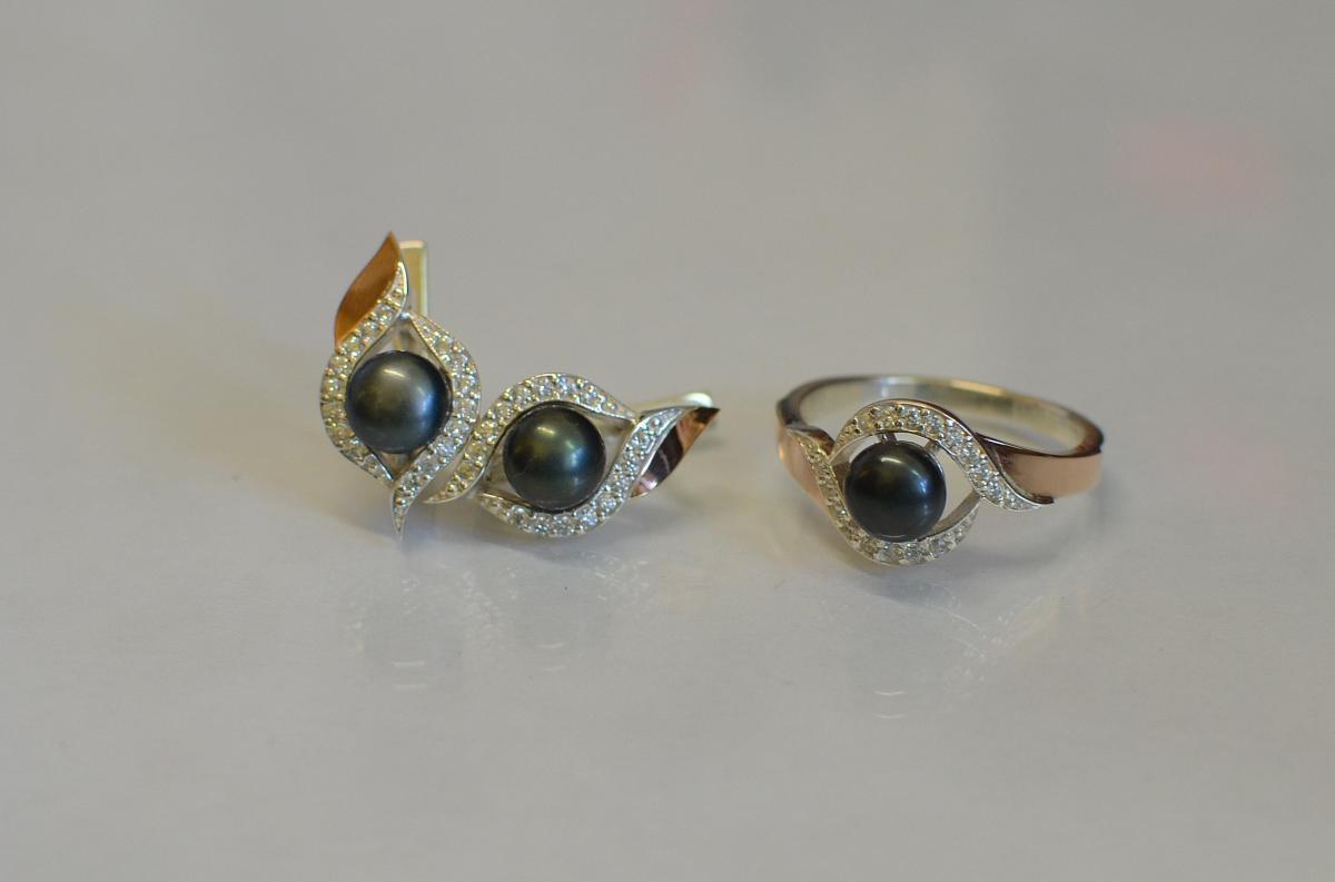 Серебряный набор Silver Style с золотыми вставками и жемчугом