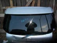 Стекло заднее (в крышку багажника) с подогревом (hatchback 5-дв.) Toyota Corolla 120 (2002-2006) 6810513120