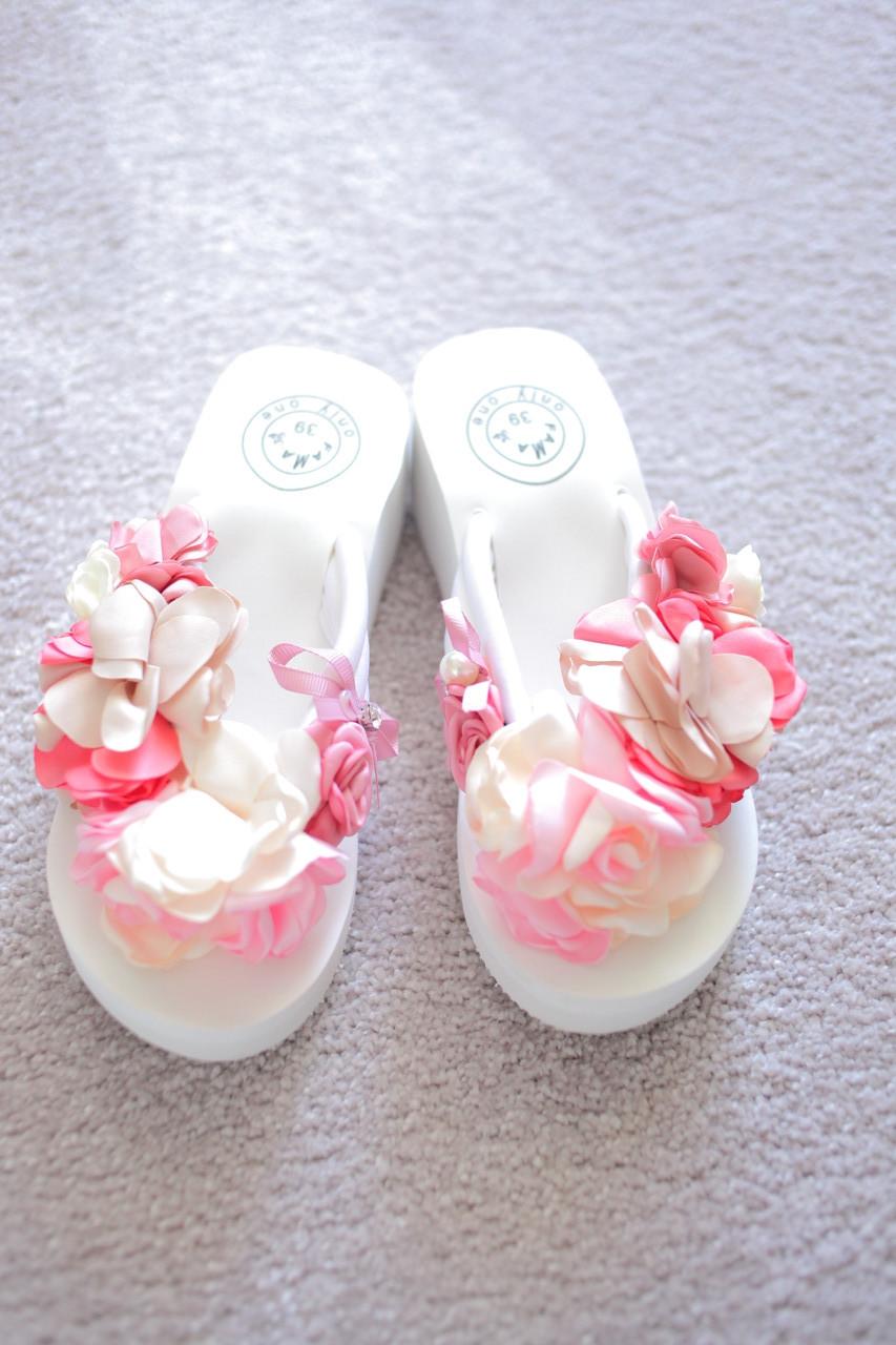 Женские шлепки вьетнамки белые с цветами розовые букет 36-37