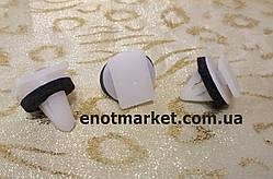 Нажимное крепление молдинга двери Hyundai Sonata / Terracan / Tuscon. ОЕМ: 87702H1000, 87702-H1000