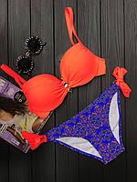 Яркий, раздельный женский купальник в оранжево-синем цвете, с брошью, фото 1