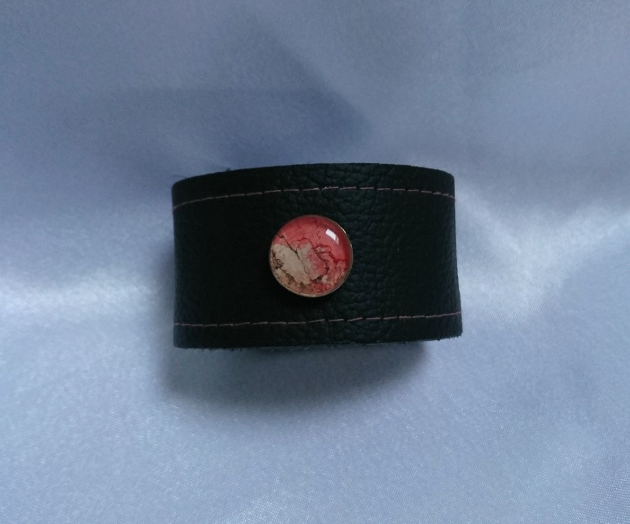 Авторський браслет із шкіри ,вставка із срібла з малюнком