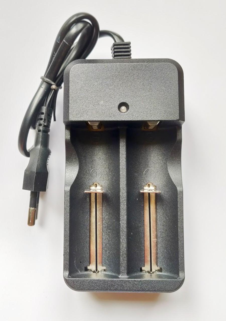 Зарядное устройство MD-282A для 2-х Li-ion аккумуляторов