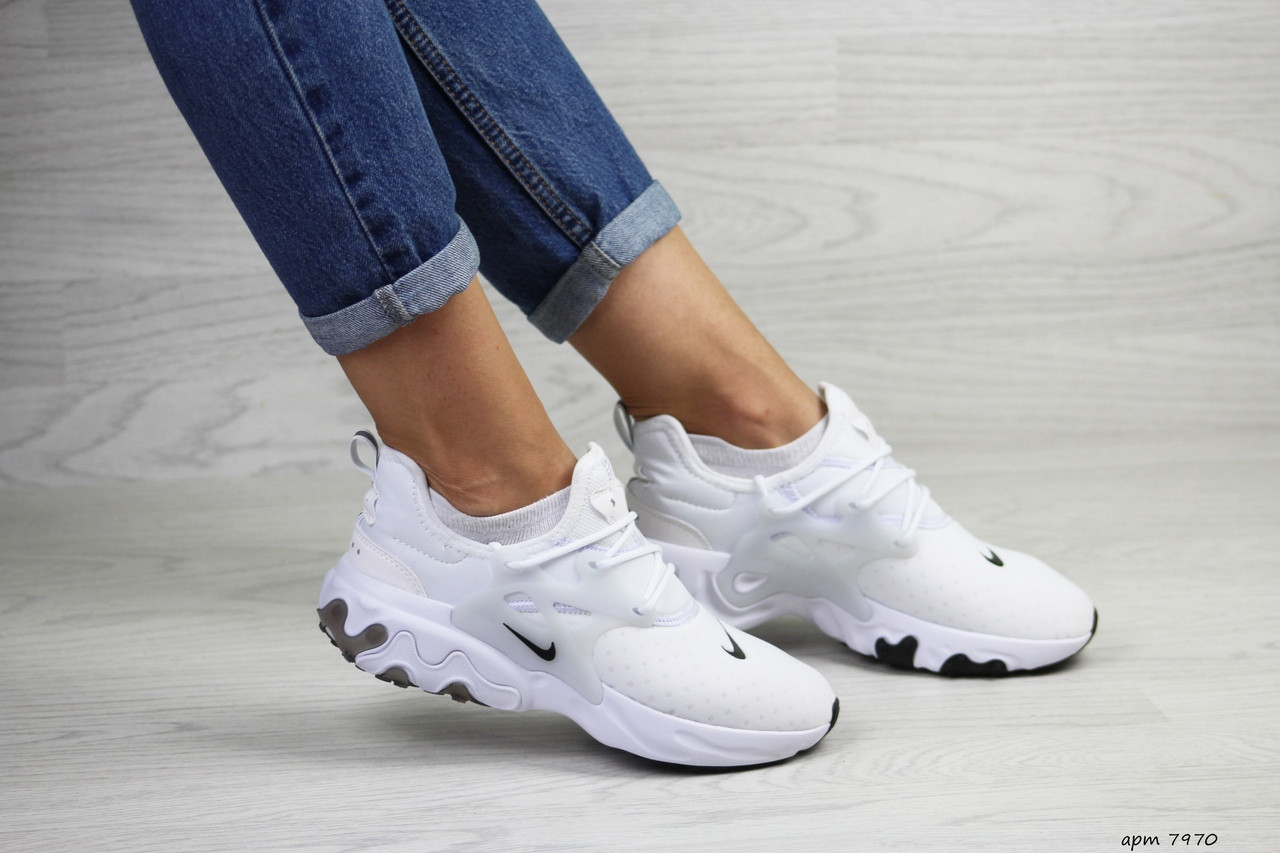 Женские кроссовки Nike Presto React (белые)