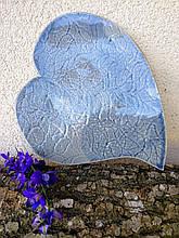 Тарілка у формі серця кераміка