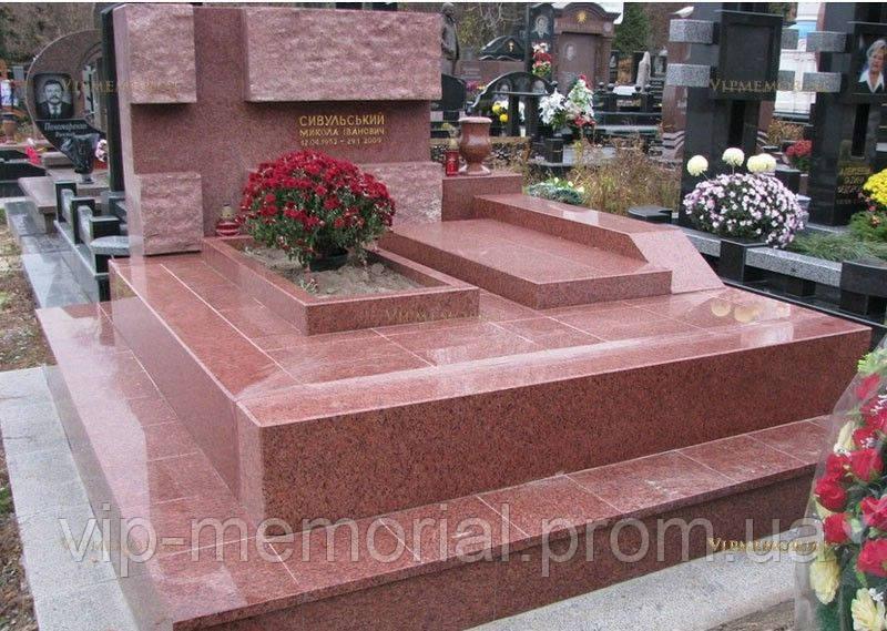 Памятник гранитный Г-573