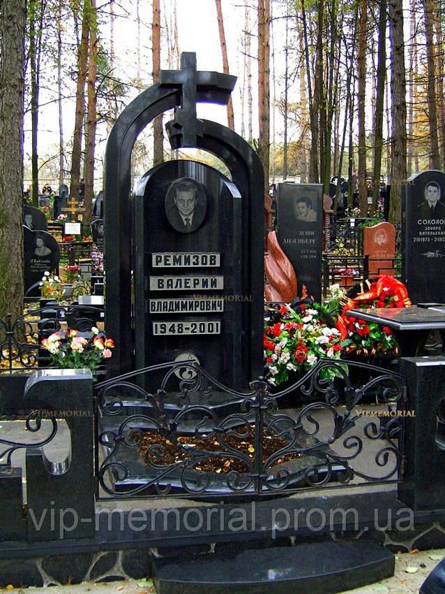 Памятник гранитный Г-580
