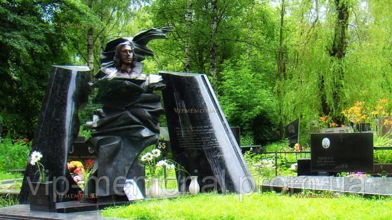 Памятник гранитный Г-592