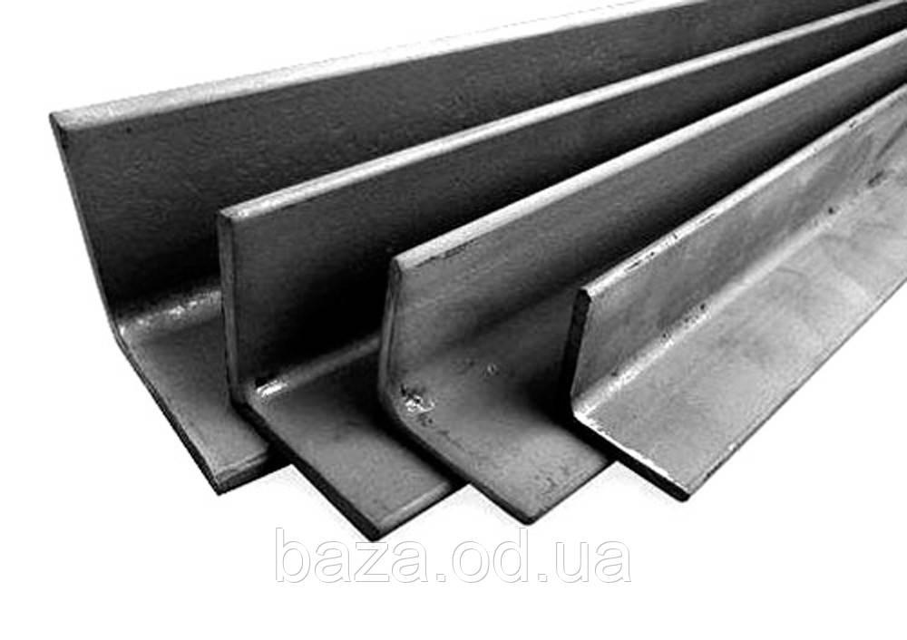 Уголок металлический 35x35x3 мм