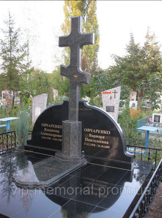 Памятник гранитный Г-682