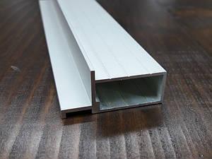 Алюмінієвий профіль чверті для дверних полотен під приховану коробку.