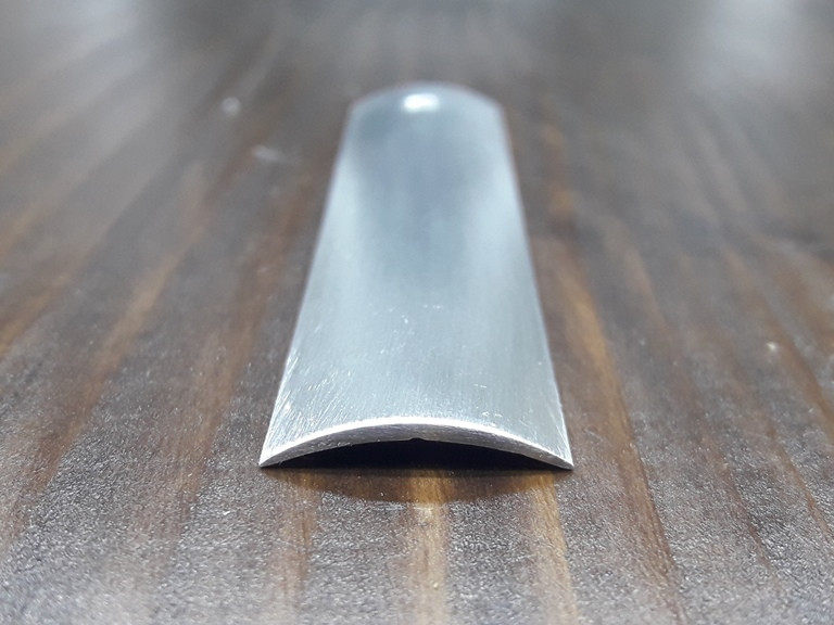 Профиль для пола гладкий 20х3,5мм. Длина 2,71м