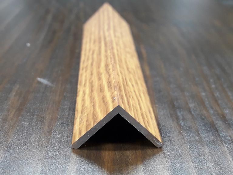 Уголок алюминиевый, дуб канадский 15х15х1,5