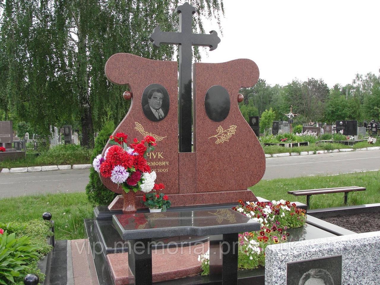 Памятник гранитный Г-589